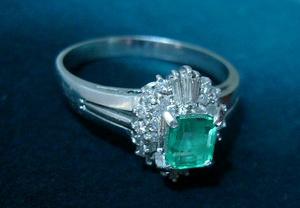 エメラルド指輪2.JPG