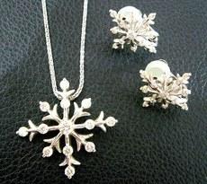 雪の結晶ネックレス.JPG