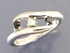 ダイヤブラックダイヤ指輪1.JPG