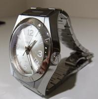 グッチ時計斜めアップDSCF0481.JPG