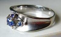 サファイヤ指輪2.JPG